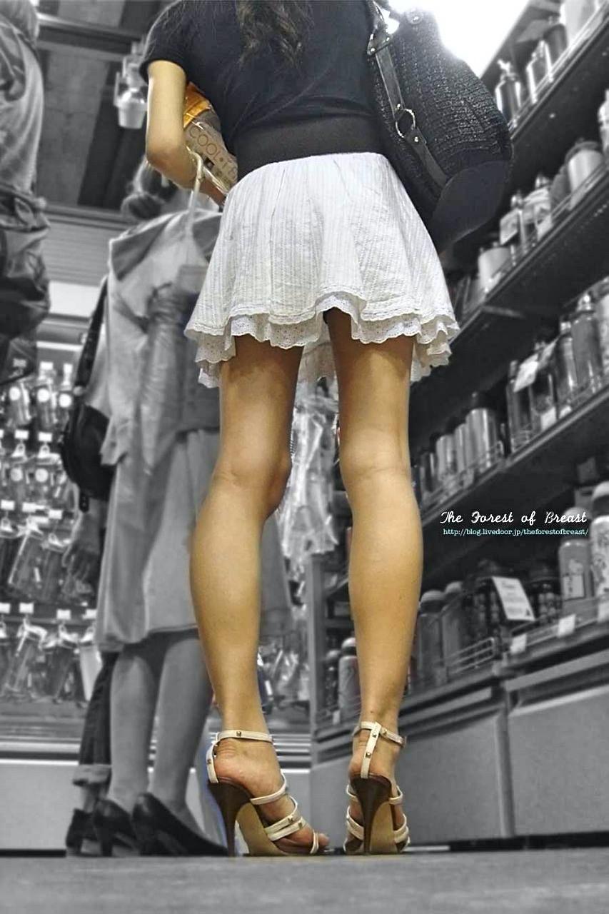 ミニスカ履く女子、寒くてエロすぎない?