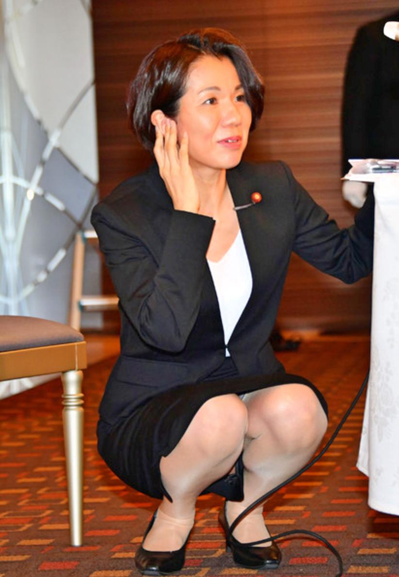 キュートでセクシーな豊田真由子さん、降臨