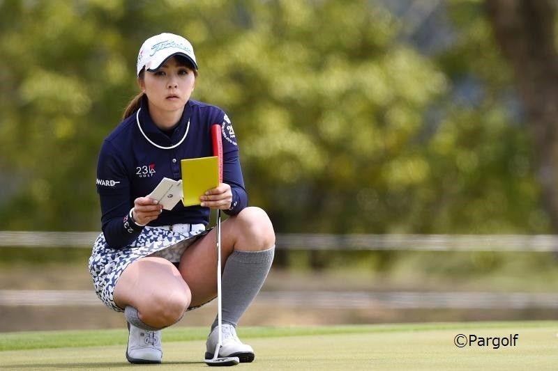 太ももがセクシー、菊地絵理香ちゃんはプロゴルファー