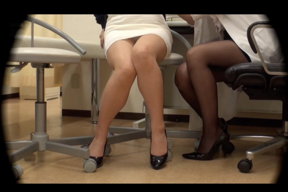 【レズビアン】登場人物は全てレズ,淫らな女医がレズビアン患者を優しく触診