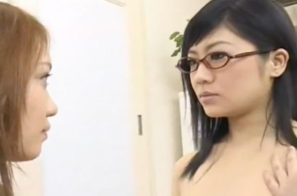 【レズ】JKとJK、JKと女教師たちがキスして乳房をなめて