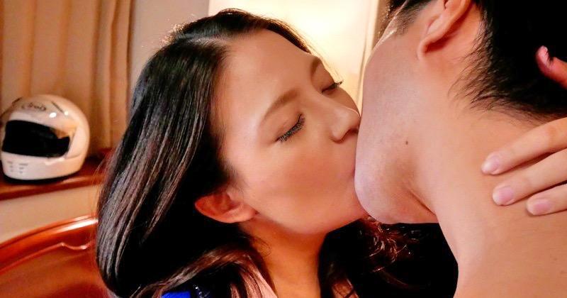 【織田真子】初恋の人とキスするだけでイッちゃうのに、それが織田真子だったら