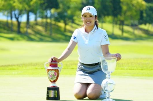 【稲見萌寧】ミニスカがかわいいゴルファーは2021年だけでもう5勝目